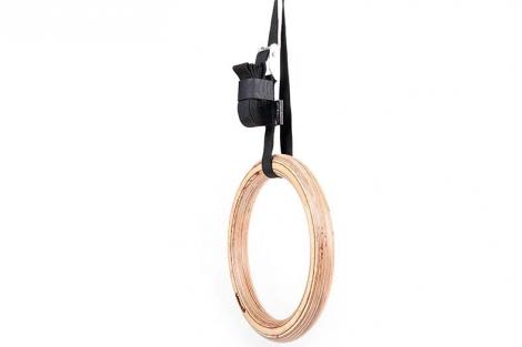 3.гимнастические кольца в подвешенном состоянии